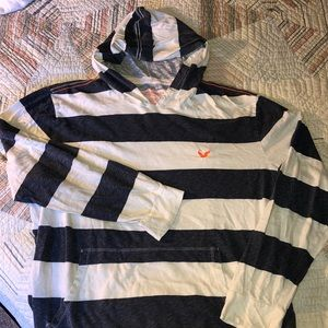 American Eagle Outfitters men's Hooded Long sleeve